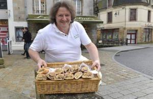 quimper-Le boulanger qui donne ses invendus tous les soirs